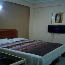 Hotel Banjara in Mandal