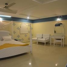 Hotel Barcelona Exotica in Ahmedabad