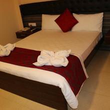 Hotel Bashyam Park in Kandur