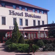 Hotel Bassiana in Szeleste