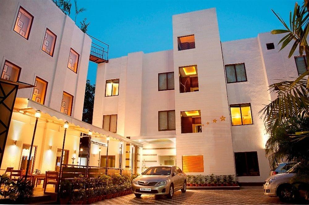Hotel Bawa Walson in Bata Nagar