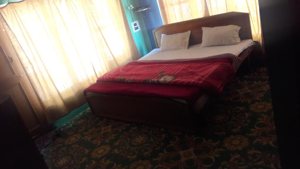 Hotel Betab Palace in Pahalgam