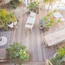 Hotel Beverly Terrace in Sherman Oaks