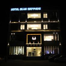Hotel Blue Sapphire in Dera Bassi