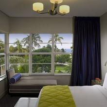 Hotel Breakwater in Miami Beach