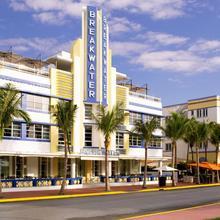 Hotel Breakwater South Beach in Miami Beach