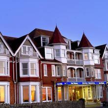 Hotel Bristol in Saint Eval