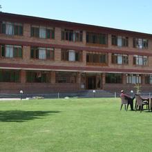 Hotel Brown Palace in Srinagar