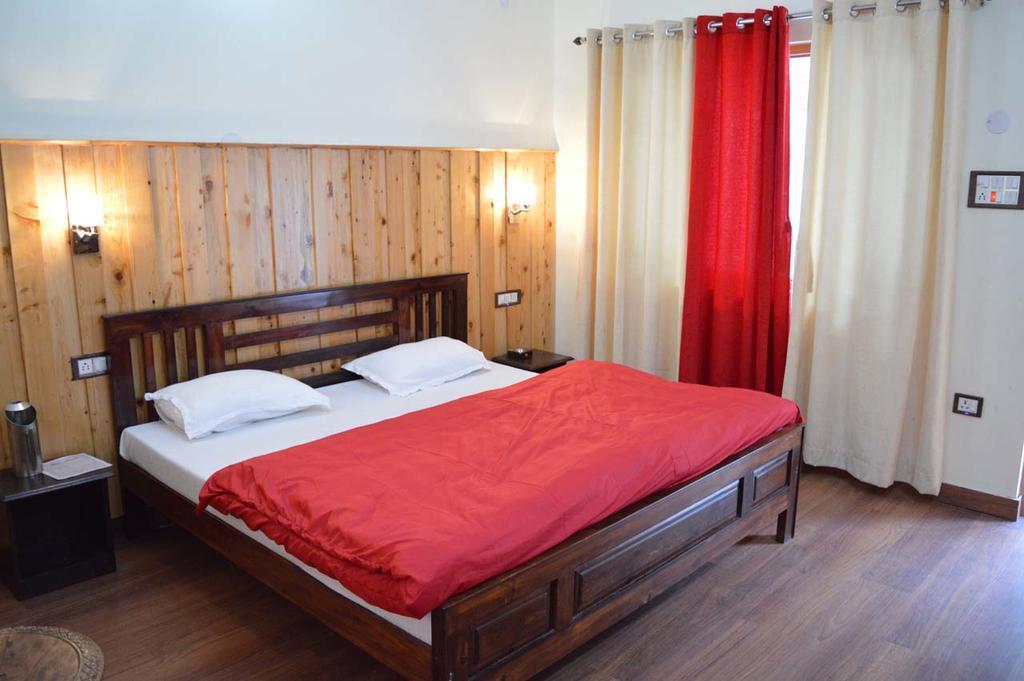 Hotel Burans in Chakrata