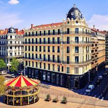 Hotel Carlton Lyon - Mgallery By Sofitel in Orlienas