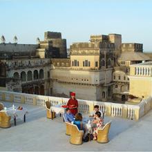Hotel Castle Mandawa in Mukundgarh