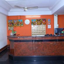 Hotel Chaya Ac in Mustabada