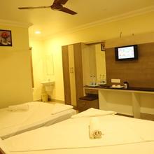 Hotel Chella Residency in Kil Kasakkudi