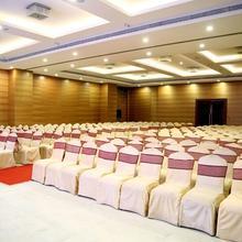 Hotel Chennai Le Palace in Tambaram