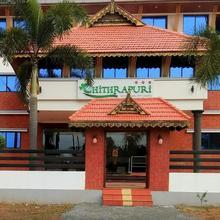 Hotel Chithrapuri in Lakkidi