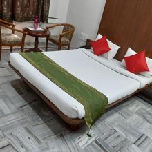 Hotel City Palace in Mahiravani