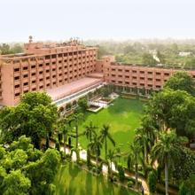 Hotel Clarks Shiraz in Agra