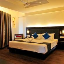 Hotel Copper Folia in Varakal