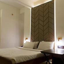 Hotel Cozy Inn in Pune