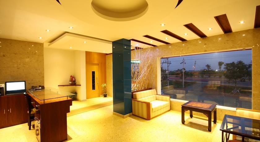 Hotel Crescent Crest Sriperumbudur in Kanchipuram