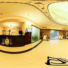 Hotel Crown Inn in Karachi