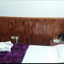 Hotel Crystal Palace in Dhanaulti