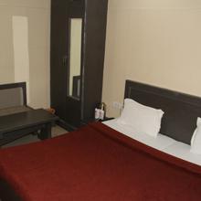 Hotel D Dice in Achhnera