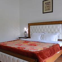 Hotel Dalhousie Heights in Chuari Khas