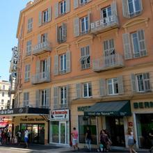 Hotel De Berne in Nice