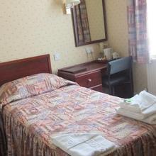 Hotel De Paris in Hempstead