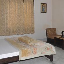 Hotel Delight G Nanak in Rudrapur