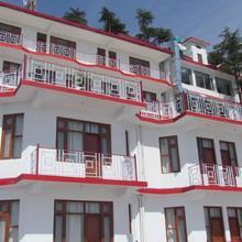Hotel Deodar Villa in Mant Khas