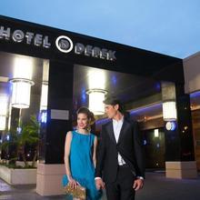 Hotel Derek in Houston