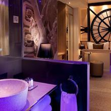Hotel Design Secret De Paris in Paris