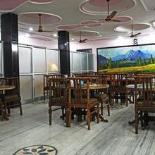 Dev Hotel Haridwar in Dhandhera