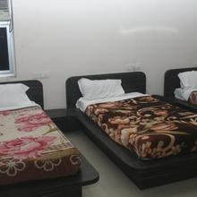Hotel Deva Inn in Varanasi