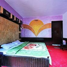 Hotel Devi Dyar in Manali