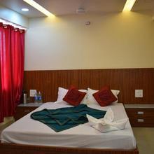 Hotel Devi Empire, Katra in Dami