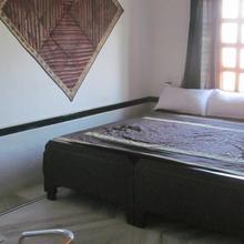 Hotel Devrang in Obhaniya Chache
