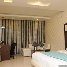 Hotel Diamond Plaza in Kharar