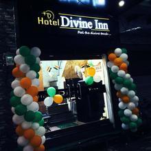 Hotel Divine Inn in Varanasi