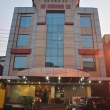 Hotel Dolphin International in Mughal Sarai