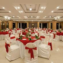Hotel Eden Garden in Ramamangalam