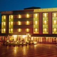 Hotel Elegance in Chalakudi