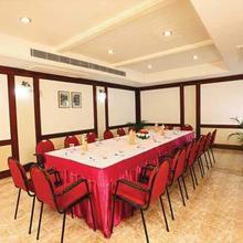 Hotel Elegance Vazhakulam in Chalakudi