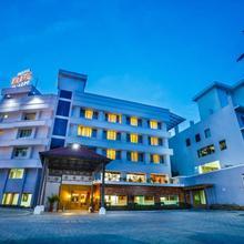 Hotel Elite Palazzo in Chalakudi