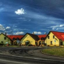 Hotel Elzet in Becice