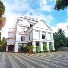 Hotel Emerald Regency in Kanam