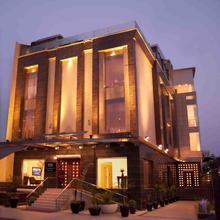 Hotel Eternity in Chaukhandi