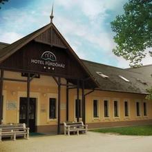 Hotel Fürdőház in Nyirtura